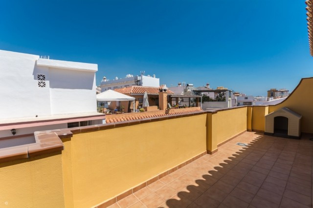 Residential building in central area of Fuengirola - Las Lagunas consisting of a duplex penthouse, a,Spain