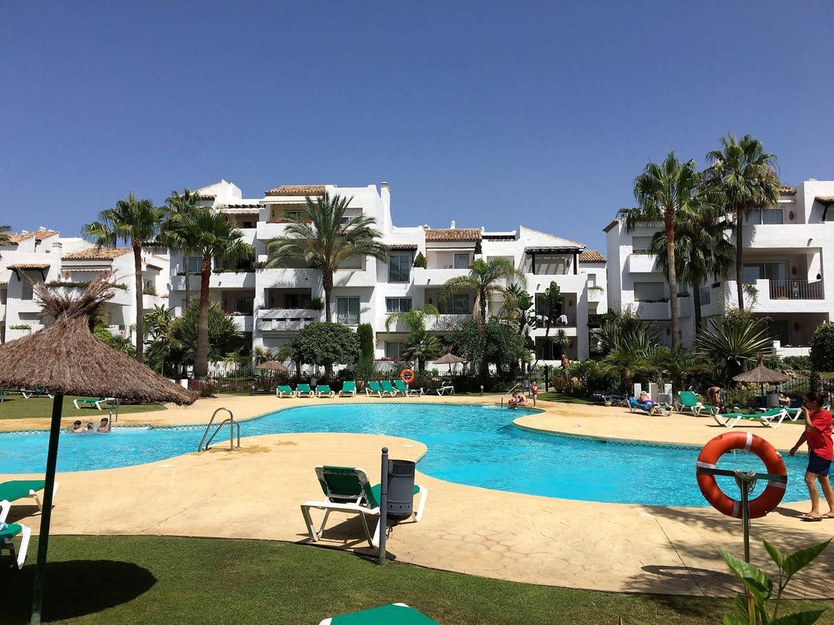 Exceptional 2 bedroom apartment in Costalita, a complex located a few meters. From the beach, 10 min,Spain