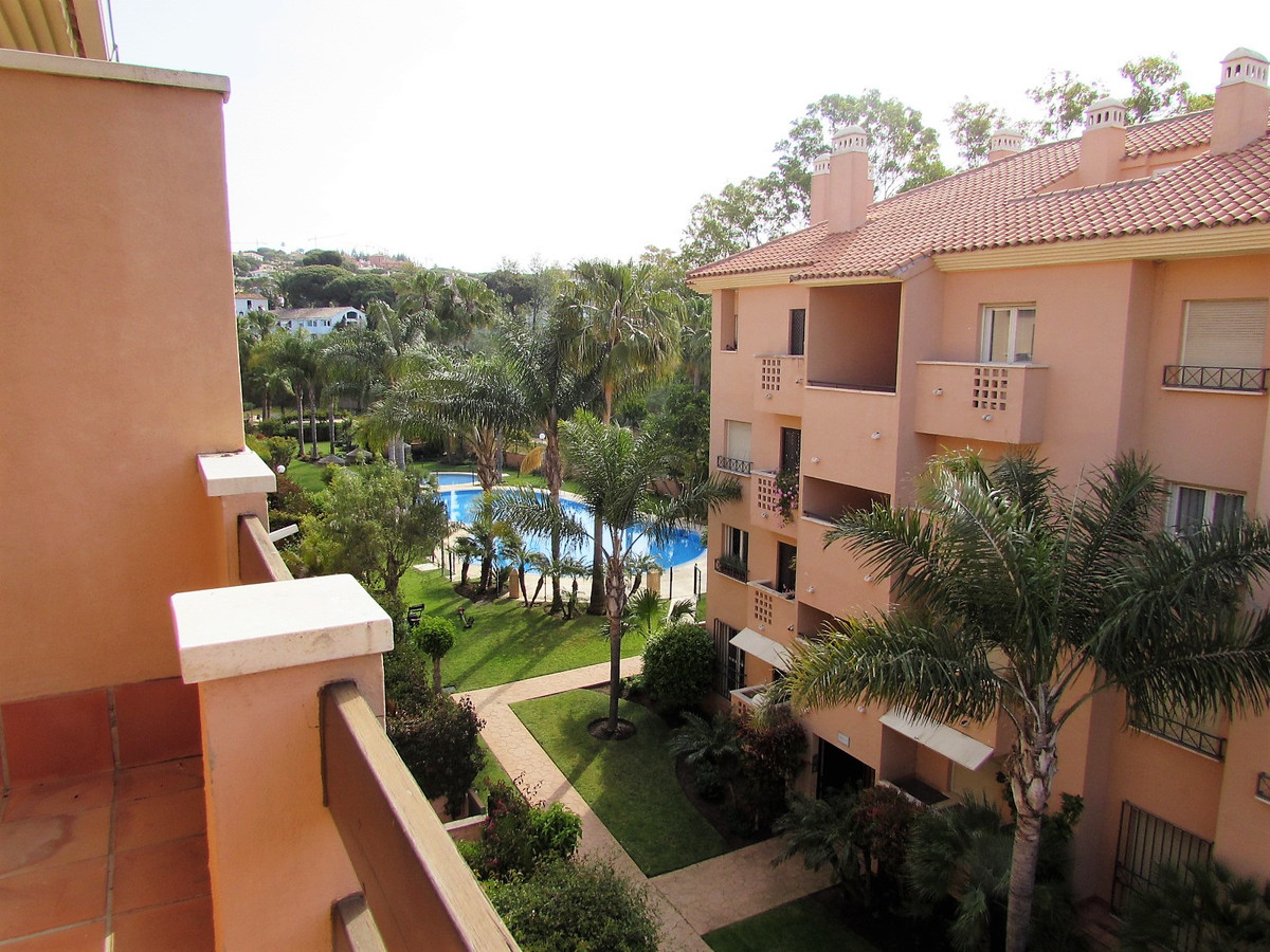 Bank offer!!! Duplex attic to 500 meters of one of the best beaches of Marbella. Placed in urbanizat, Spain