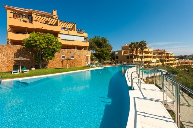 Beautifully presented 3 bedroom apartment situated in a very exclusive gated community in Sotogrande, Spain