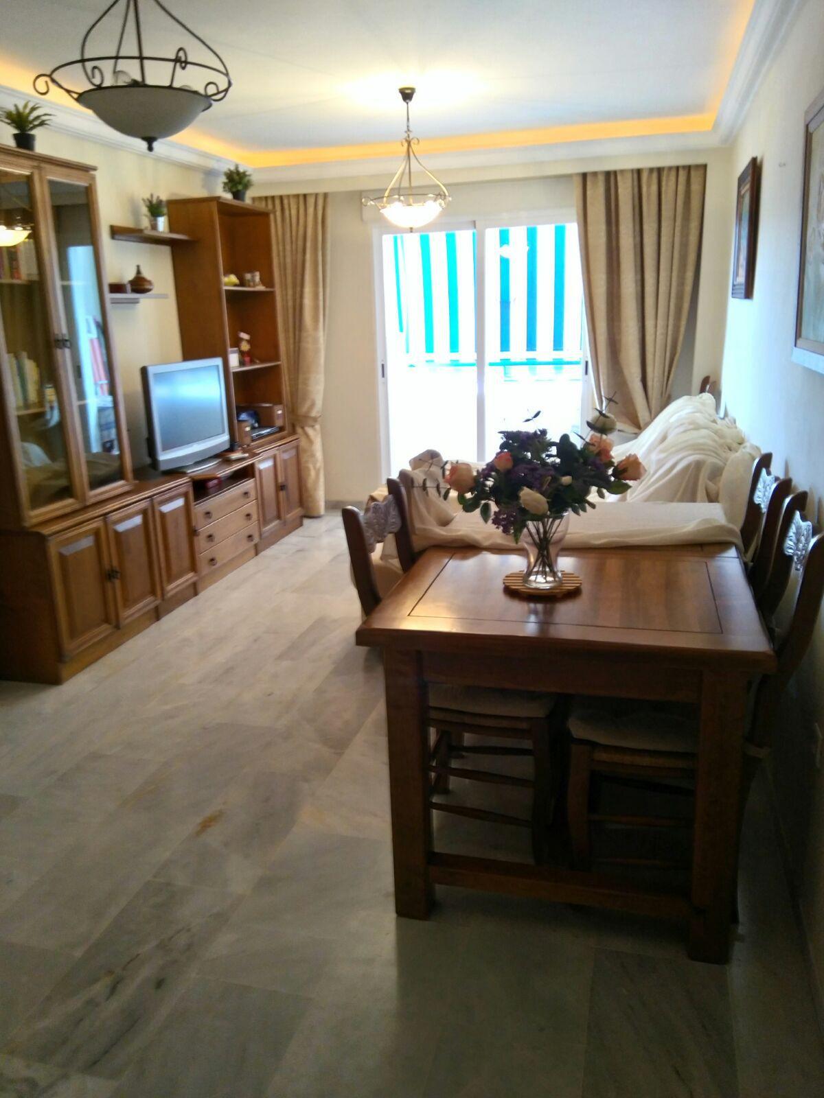Apartamento en Fuentenueva Edificio San Marino, de dos dormitorios, cocina americana, salon comedor ,Spain