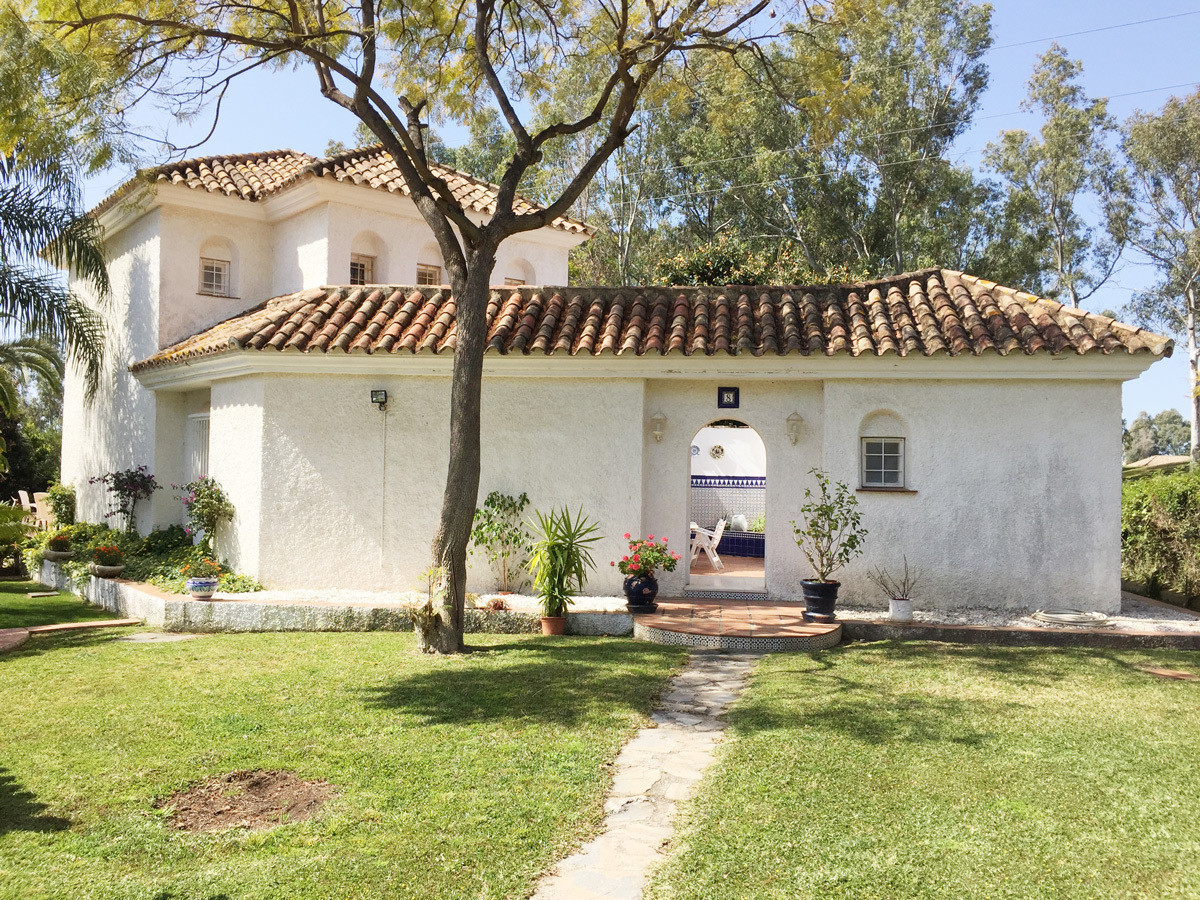 Awesome detached villa with SEA VIEWS in one of the most private and peaceful housing developments o, Spain