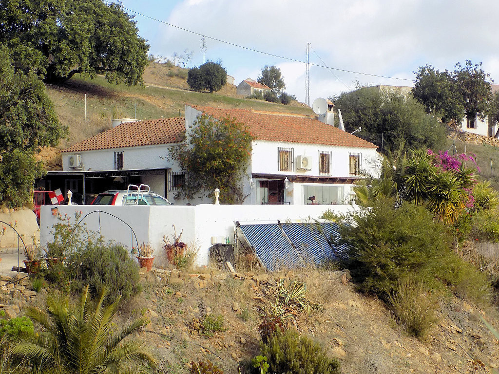 This gorgeous rustic finca has been reformed to a very high standard, respecting the genuine old Spa,Spain