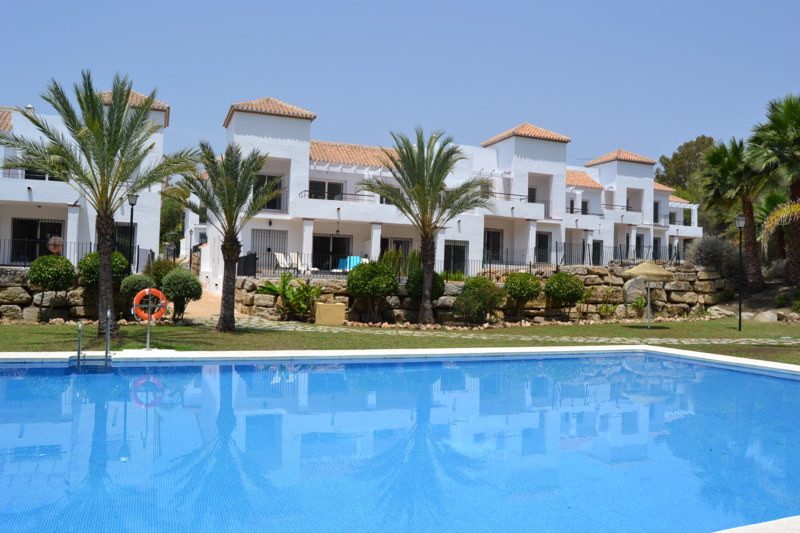 Brand new contemporary apartments in Aloha, Nueva Andalucia. We have on offer a selection of 15 diff, Spain