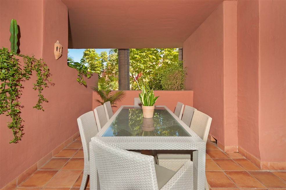 Originally listed for 495,000€ and recently reduced to 475,000€. Fabulous garden apartment situated , Spain