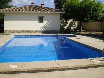 Well appointed single level country house of 130m2 on a flat fenced plot of 3332m2. With electric ga,Spain