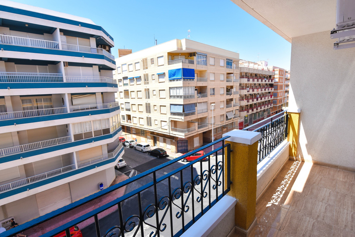 SOUTH FACING 2 BEDROOM APARTMENT IN TORREVIEJA. This property has bright new furniture and whitegood,Spain