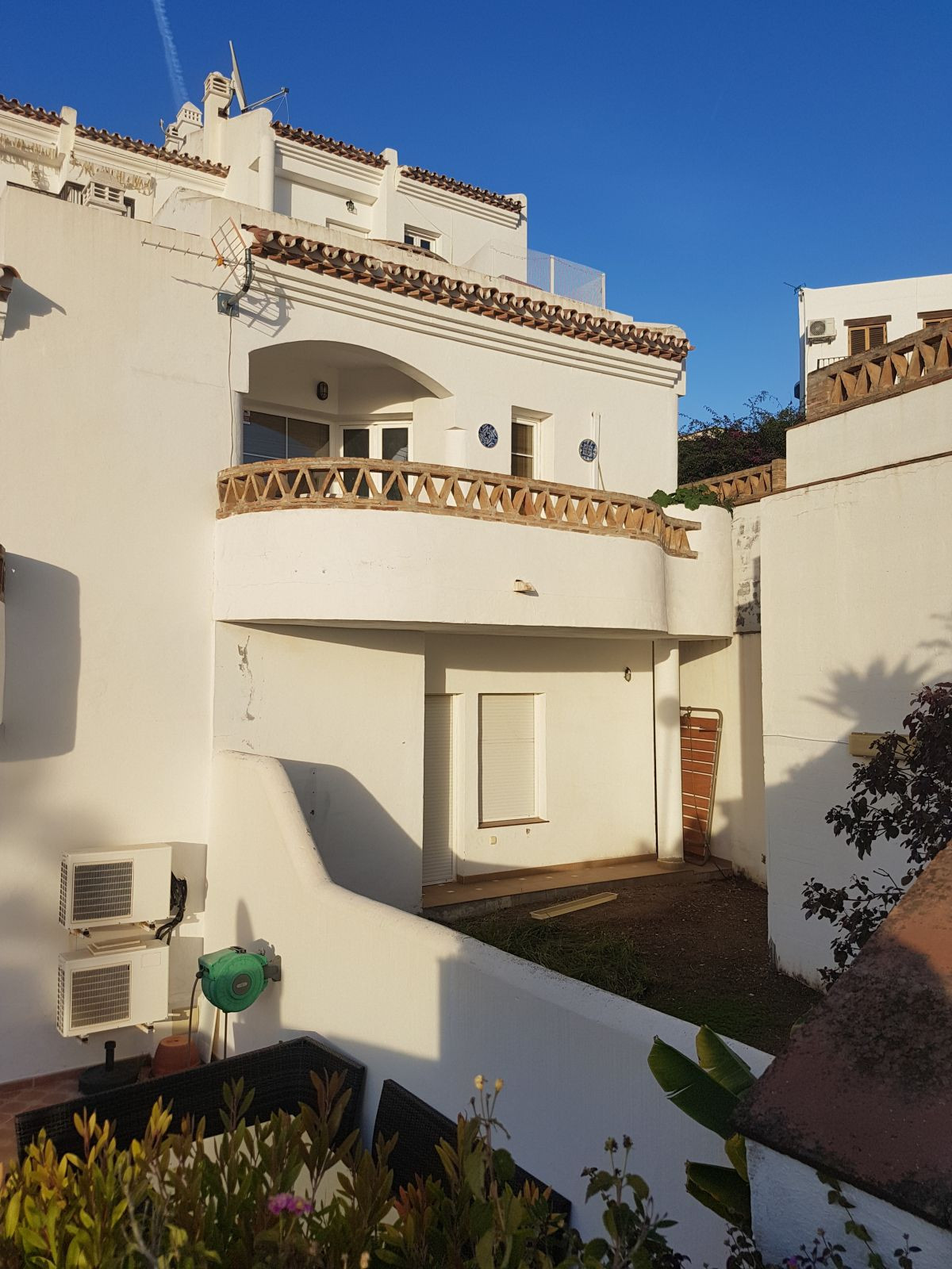 """GREAT DUPLEX OPPORTUNITY OF 3 BEDROOMS AND 3 BATHROOMS IN CLOSED ENCLOSURE WITH GARDENS AND SW, Spain"