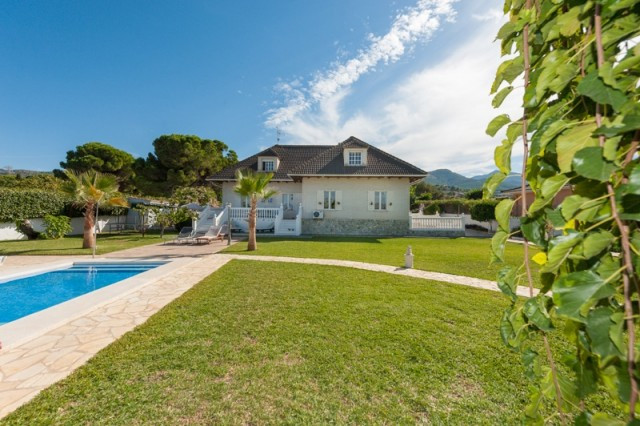 This excellent villa is located in the sought-after urbanisation of Pinos de Alhaurin. Situated at t, Spain