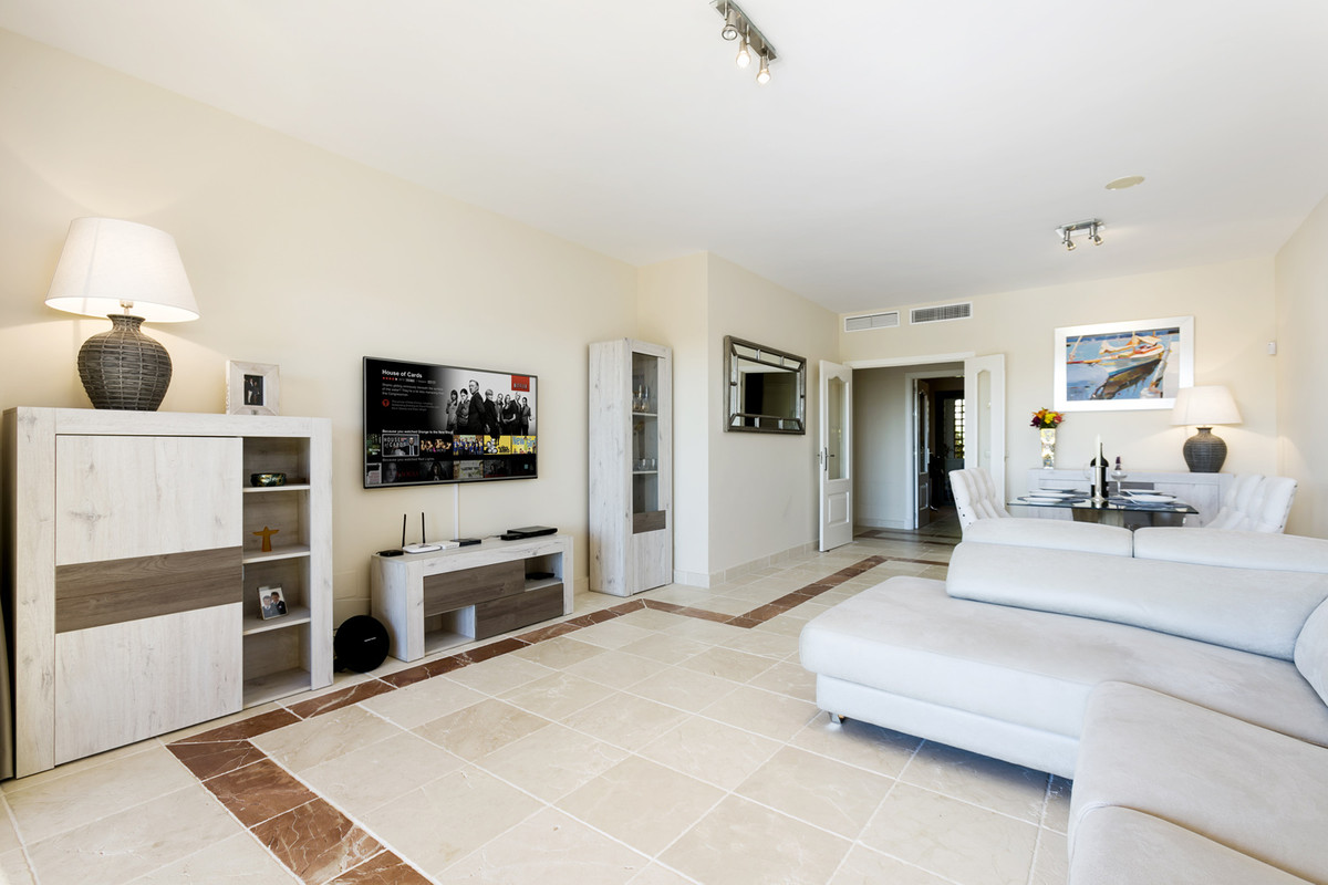 Stunning west facing modern corner unit apartment overlooking the beautiful fairways and lakes of At,Spain