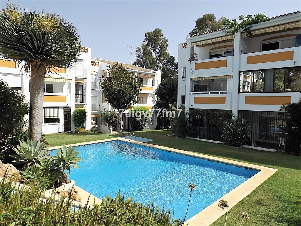 This South facing modernised apartment is walking distance to all amenities and has been refurbished, Spain