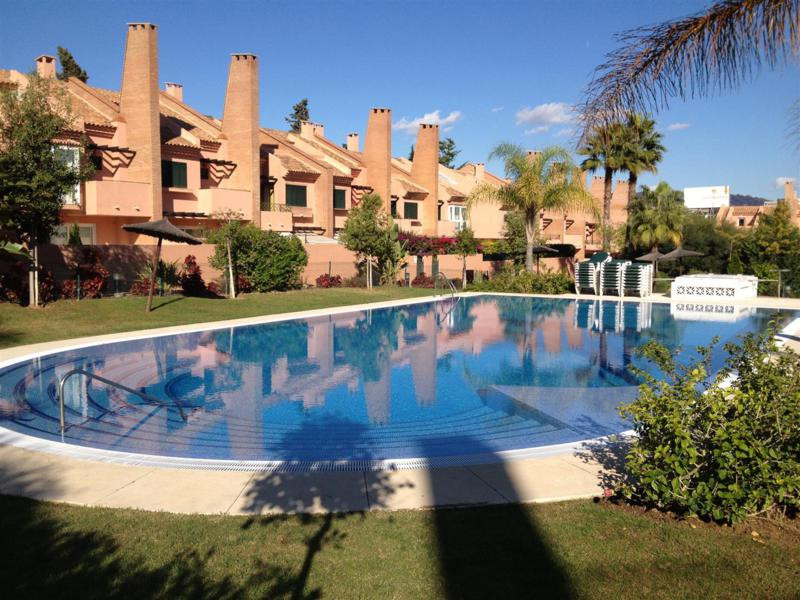 Fantastic townhouse situated in La Reserva de Los Monteros, within only five minutes of the beach. M, Spain