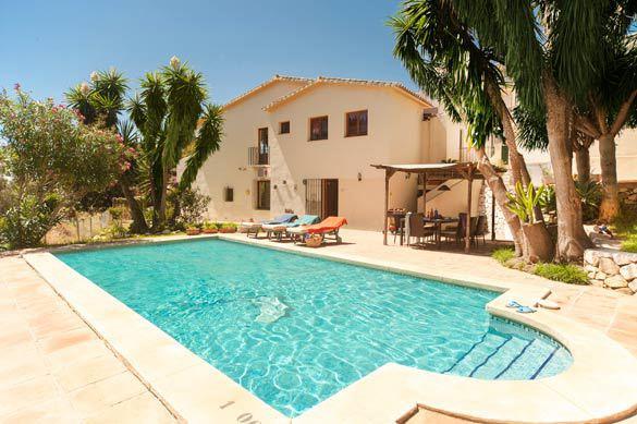 Casa Natasha - 3 Bedroom - Detached villa - Torreblanca  Family sized, 3 bedroom 2.5 bathroom Villa ,Spain