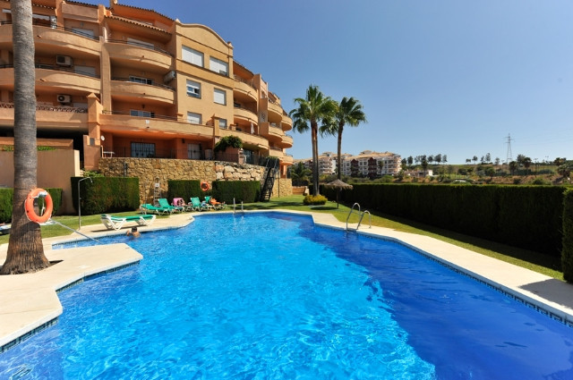 This beautifully presented penthouse is located in the heart of a popular urbanisation in Riviera De,Spain