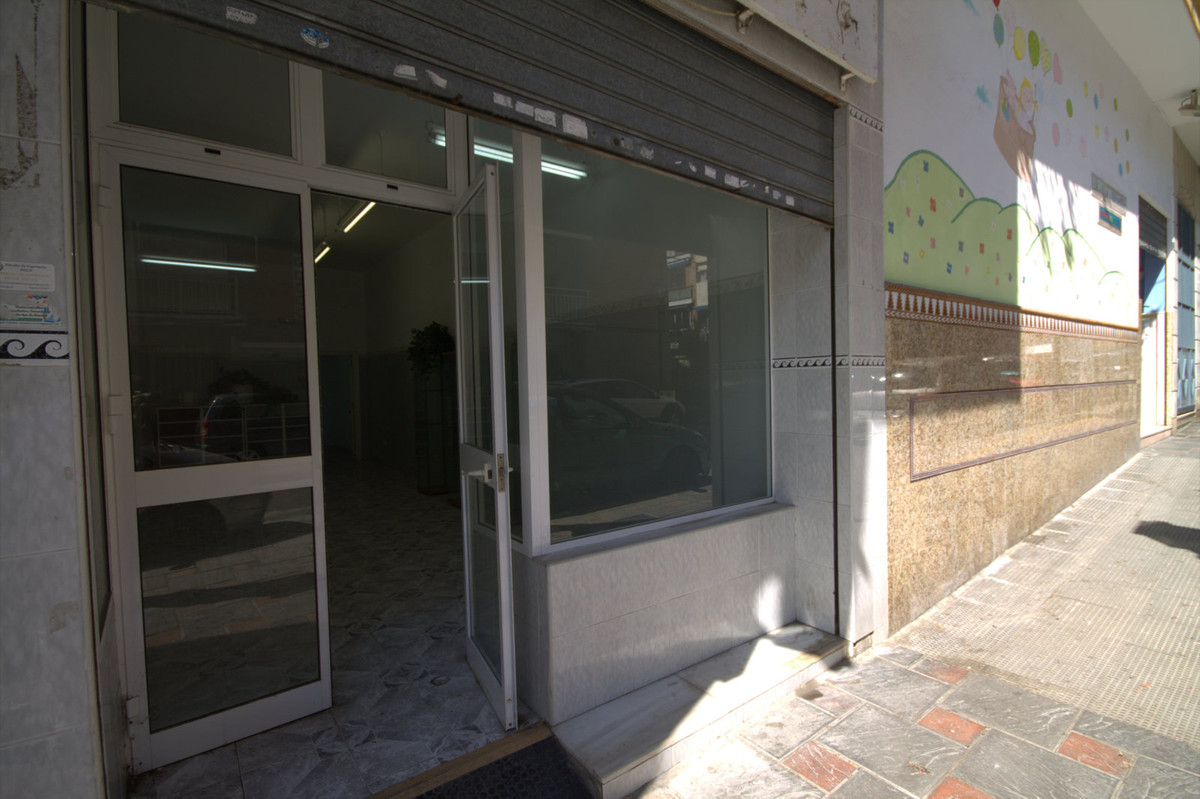 Business, Fuengirola, Costa del Sol. Built 65 m².  Setting : Town, Commercial Area, Close To Shops. ,Spain