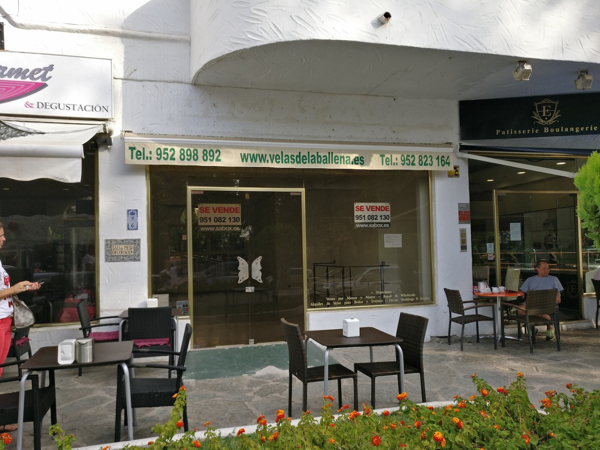 Commercial premises in the Golden Mile, near Marbella Real, opposite the Marbella Club, unbeatable l,Spain