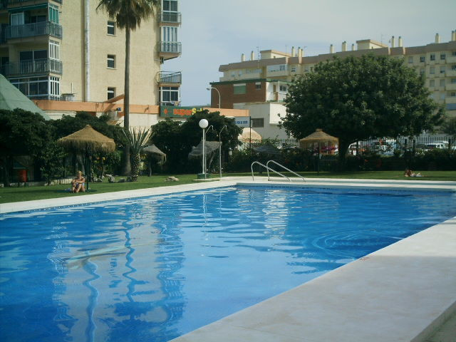 Completely refurbished studio apartment only 100 meters from the beach in a very popular complex and,Spain
