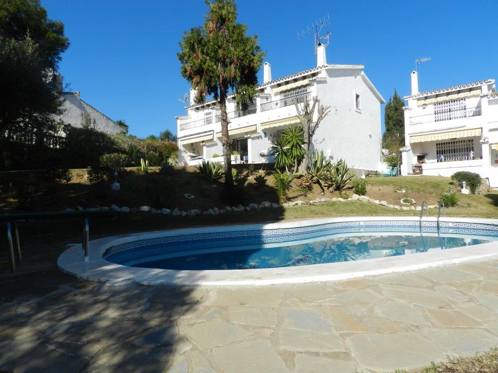 MAGNIFICENT TOWN HOUSE IN VERDEMAR CALAHONDA  built on 2 levels.Lower level with a large lounge with,Spain