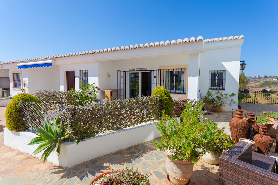 This is a fabulous townhouse inside a gated and very well kept and maintained community set amid the, Spain