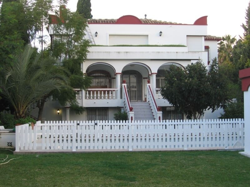 \n\n Villa located in the most sought area in Nueva Andalucia Marbella.\n\n Distributed in 3 floors , Spain