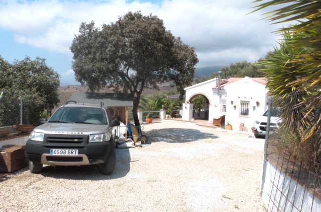 This Property has gone under a total reform it has a new roof full rewire kitchen and bathrooms UPVC,Spain