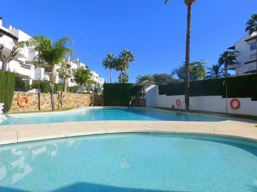 Fantastic duplex Penthouse with 2 bedrooms and 2 bathrooms situated in sought after area.  On the 1s,Spain