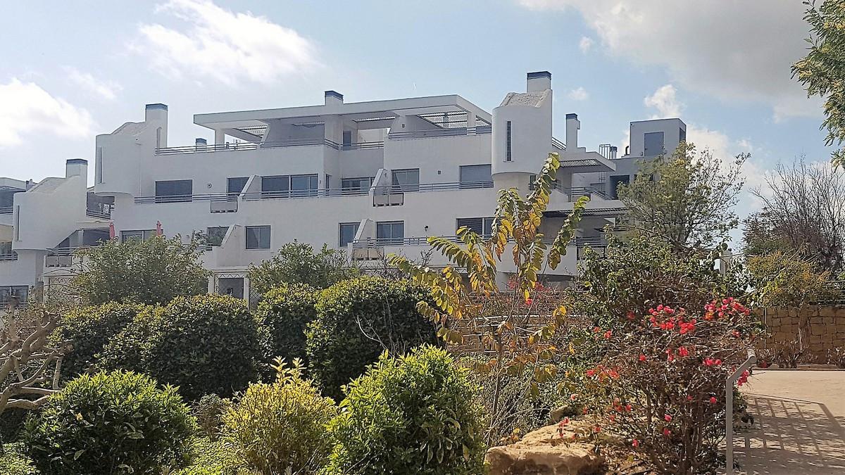 * SIGNIFICANT REDUCTION - MOTIVATED VENDOR * La Cala de Mijas penthouse apartment in the beautiful V,Spain