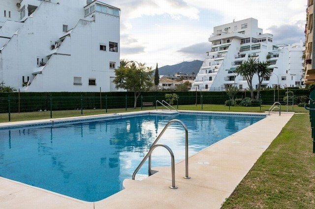 Very well located and within walking distance to all services, supermarkets, restaurants, pubs and t,Spain