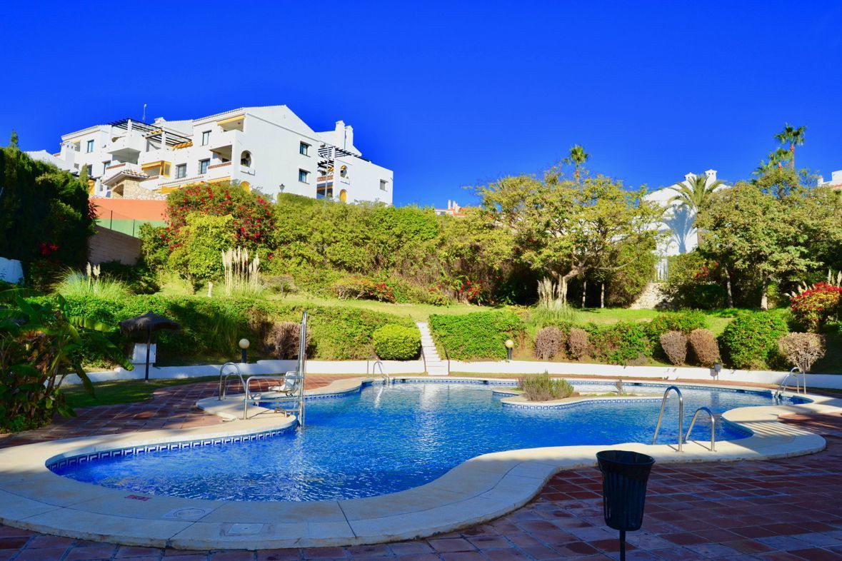 Middle Floor Apartment, Benalmadena Costa, Costa del Sol. 2 Bedrooms, 1 Bathroom, Built 60 m², Terra, Spain