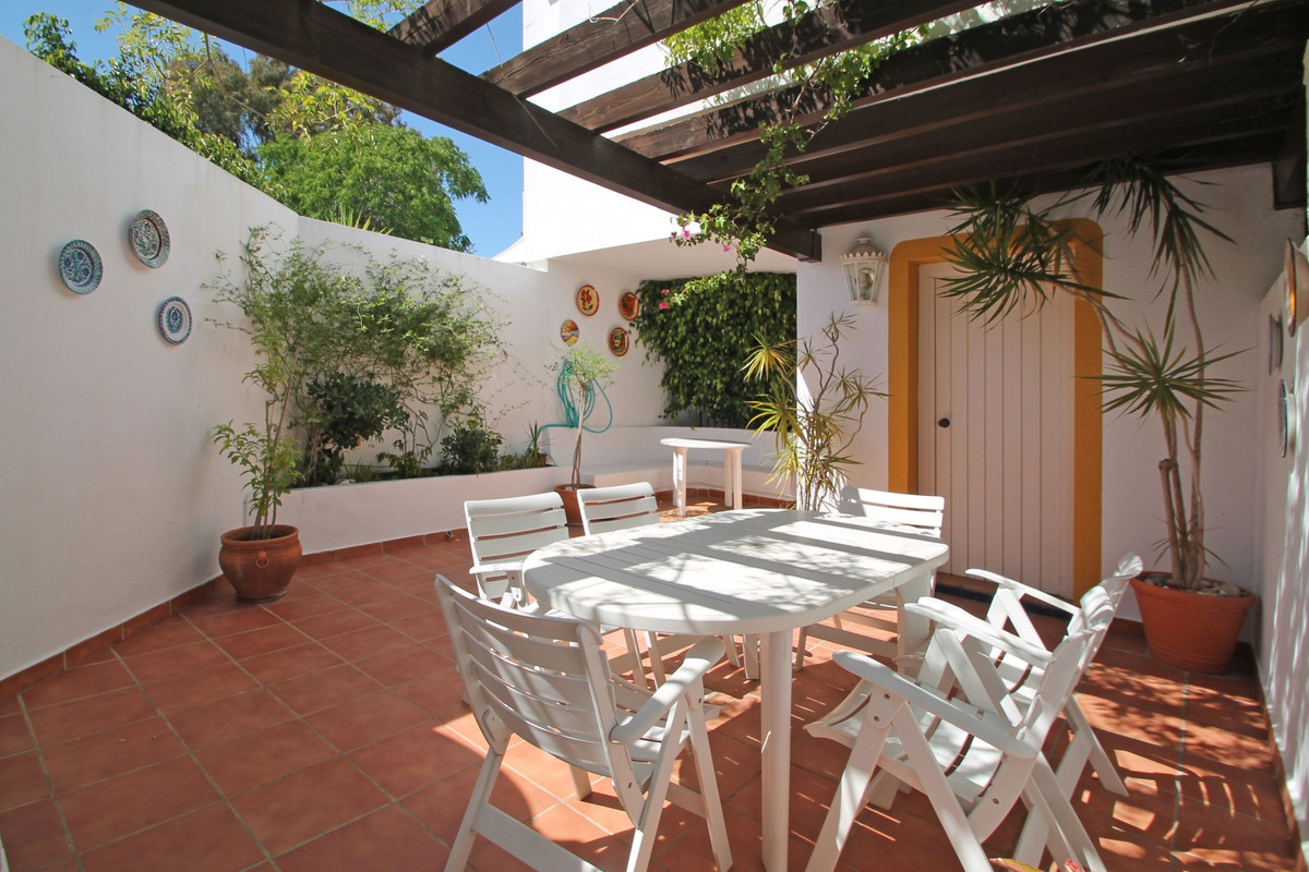 South-West facing two bedroom corner townhouse in Rodeo Alto, Nueva Andalucia. Ideally located, only, Spain
