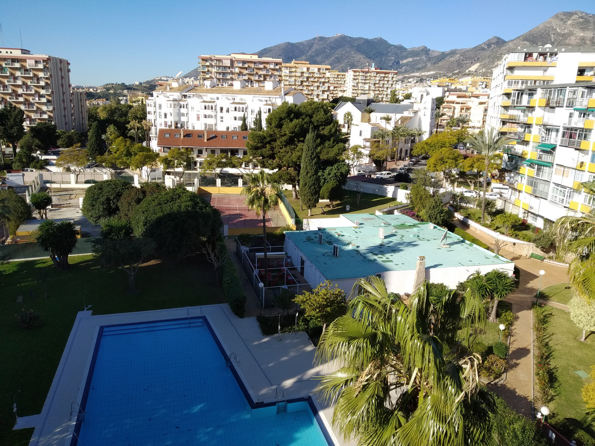 Recently renovated 2 bedroom apartment with full bathroom in 83 sq.mts built. There are unobstructed,Spain