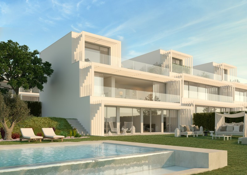 Villa for sale in La Canada Golf, Sotogrande, with 4 bedrooms, 3 bathrooms, 1 toilets and has a swim, Spain