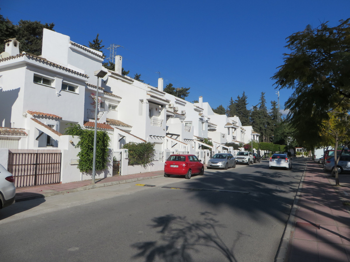 Townhouse, Marbella, Costa del Sol. 3 Bedrooms, 2 Bathrooms, Built 117 m², Terrace 28 m², Garden/Plo, Spain