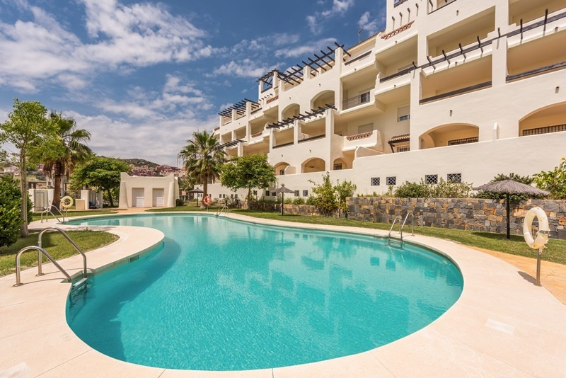 Bargain, new Ground Floor Apartments in the sought after complex Residencial Duquesa, within walking,Spain