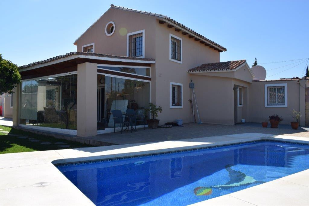 Rustic 7 bedroom villa, located in San Pedro at 300 mtrs. of the beach. Very close to restaurants, s,Spain