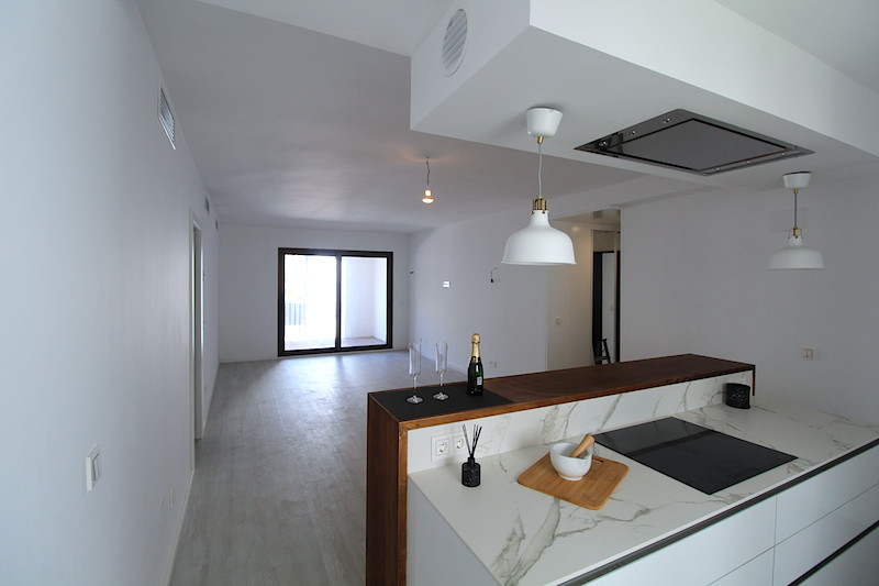 Middle Floor Apartment, Puerto Banus, Costa del Sol. 2 Bedrooms, 2 Bathrooms, Built 80 m², , Spain