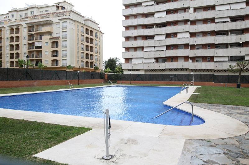 Very centrally property, located next to the beach in a very good complex in Estepona.  The communitSpain