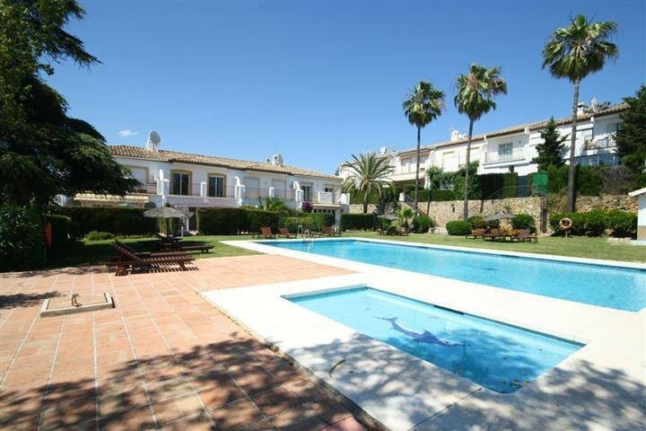 Townhouse, Atalaya, Costa del Sol. 3 Bedrooms, 2.5 Bathrooms, Built 150 m², Terrace 10 m², Garden/Pl, Spain