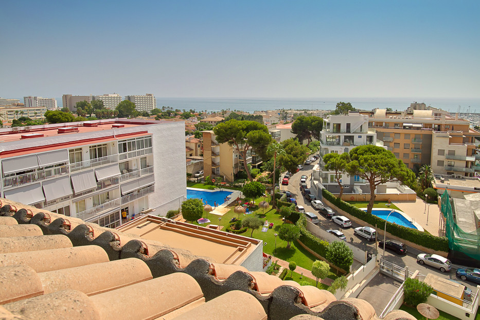 Unique opportunity to purchase this 3 bedroom duplex Penthouse located steps away from Benalmadena M, Spain