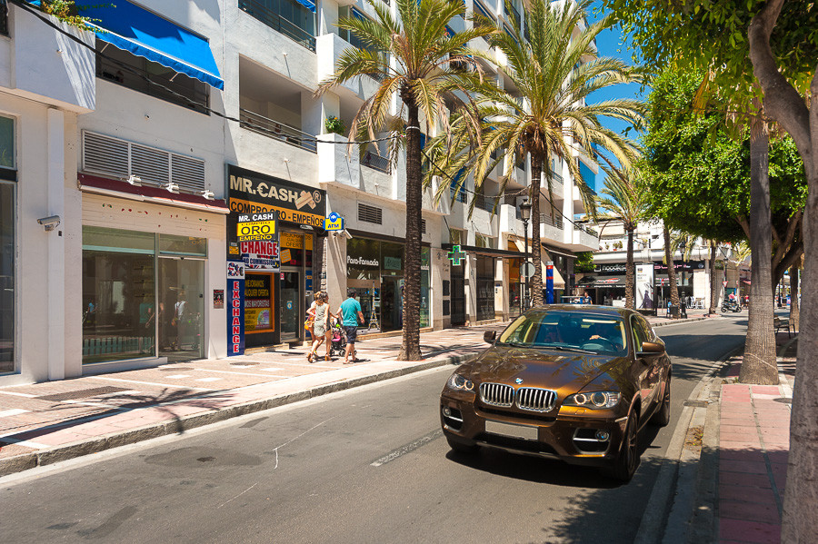 A unique opportunity to purchase this ideally located commercial premises located in the centre of P,Spain