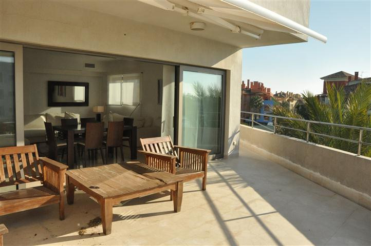 Fantastic duplex penthouse in a privileged location with unique views of Sotogrande Marina surrounde,Spain