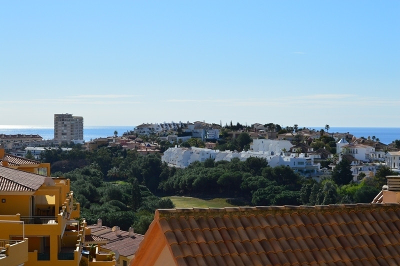 FORE SALE: An apartment 2 bathrooms och 2 bedrooms, separate partially fitted kitchen, washing maski,Spain