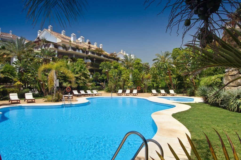 Ground Floor Apartment, The Golden Mile, Costa del Sol. 3 Bedrooms, 3 Bathrooms, Built 202 m², Terra, Spain