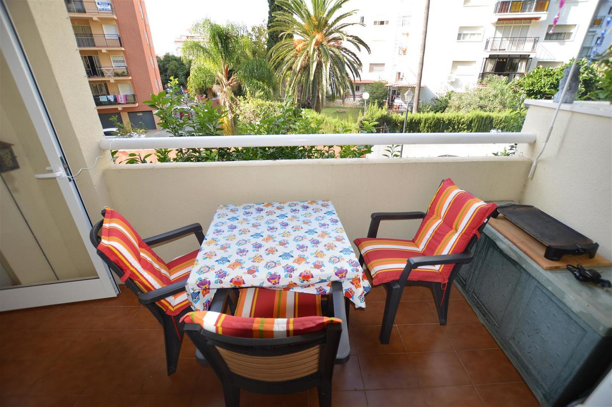 Middle Floor Apartment, Los Boliches, Costa del Sol. 4 Bedrooms, 3 Bathrooms, Built 0 m².  Setting :, Spain