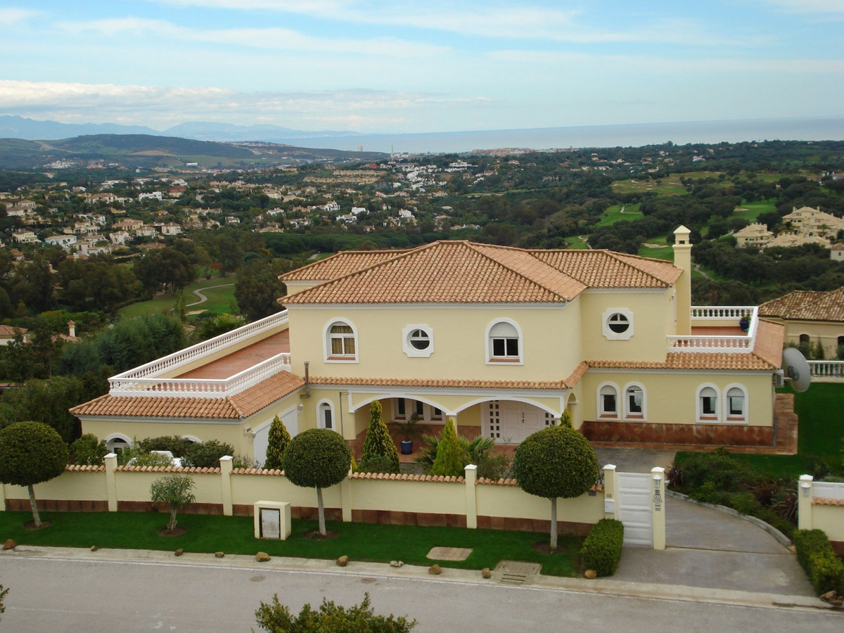 This beautiful 5 bedroom villa is located in possibly one of the best locations in Sotogrande and ha,Spain