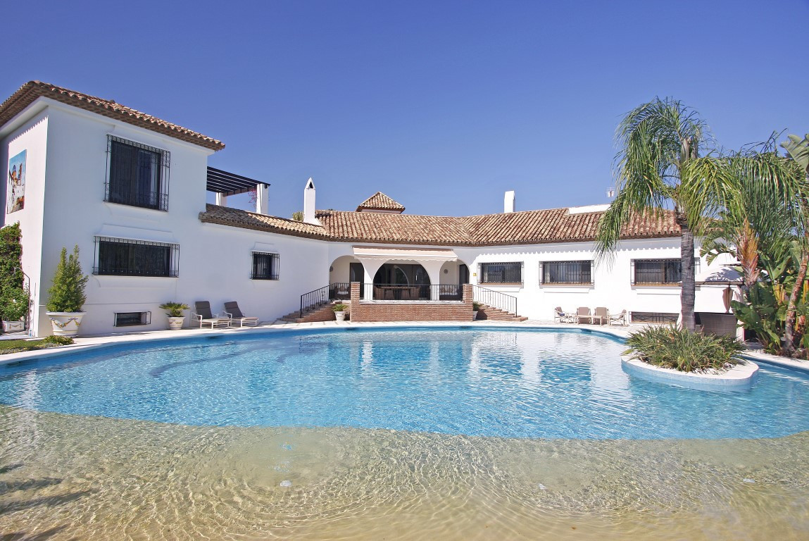 Spacious cortijo-style villa with stunning sea views towards Gibraltar and North Africa, situated in, Spain