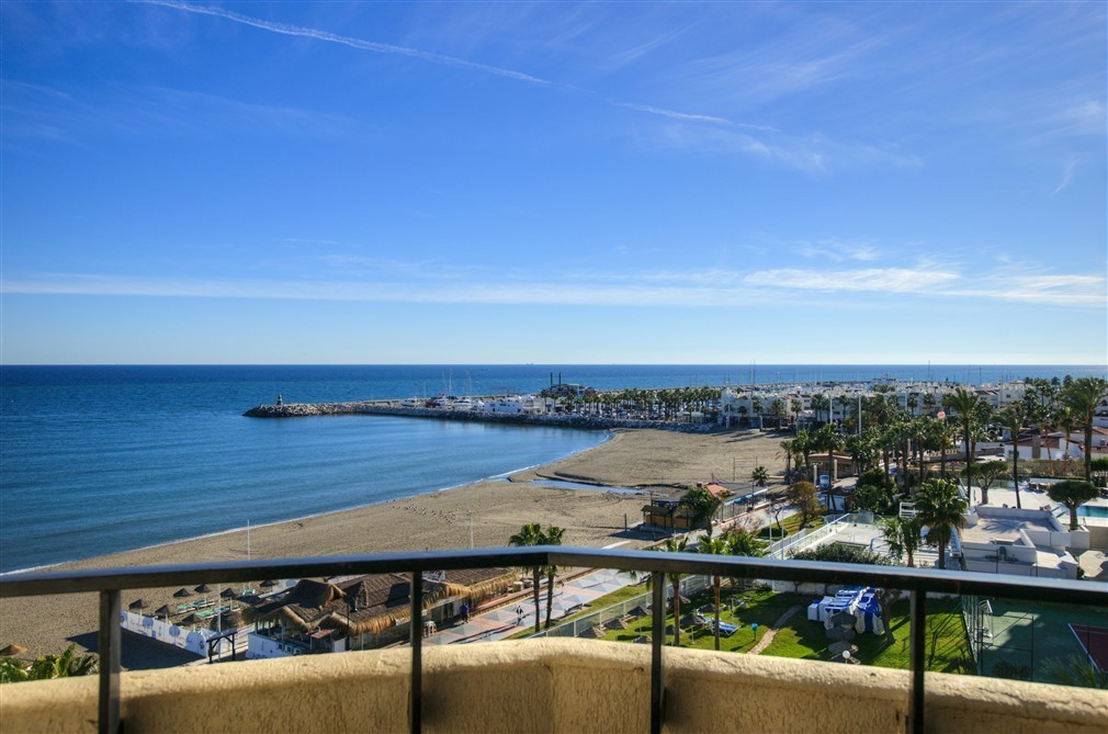 Located right on the front line of the beautiful Montemar beach this property is perfectly located f,Spain