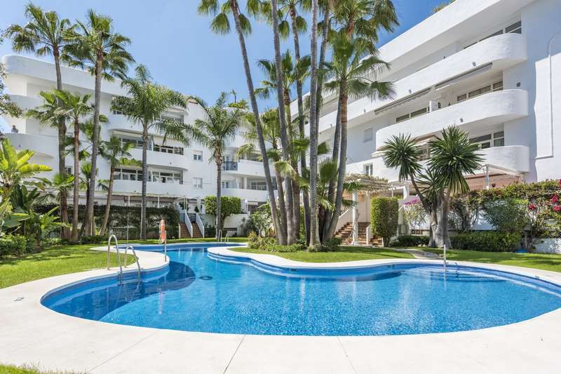 "Located in the ""golden mile"" in the ""Marbella Real Urbanization"", in front of th, Spain"