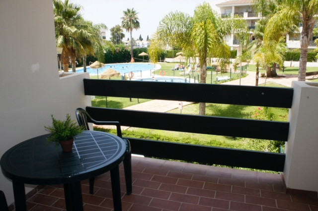 Great apartment  within walking distance to Puerto Banus, 2 bedrooms, 2 bathrooms, with living/dinin,Spain