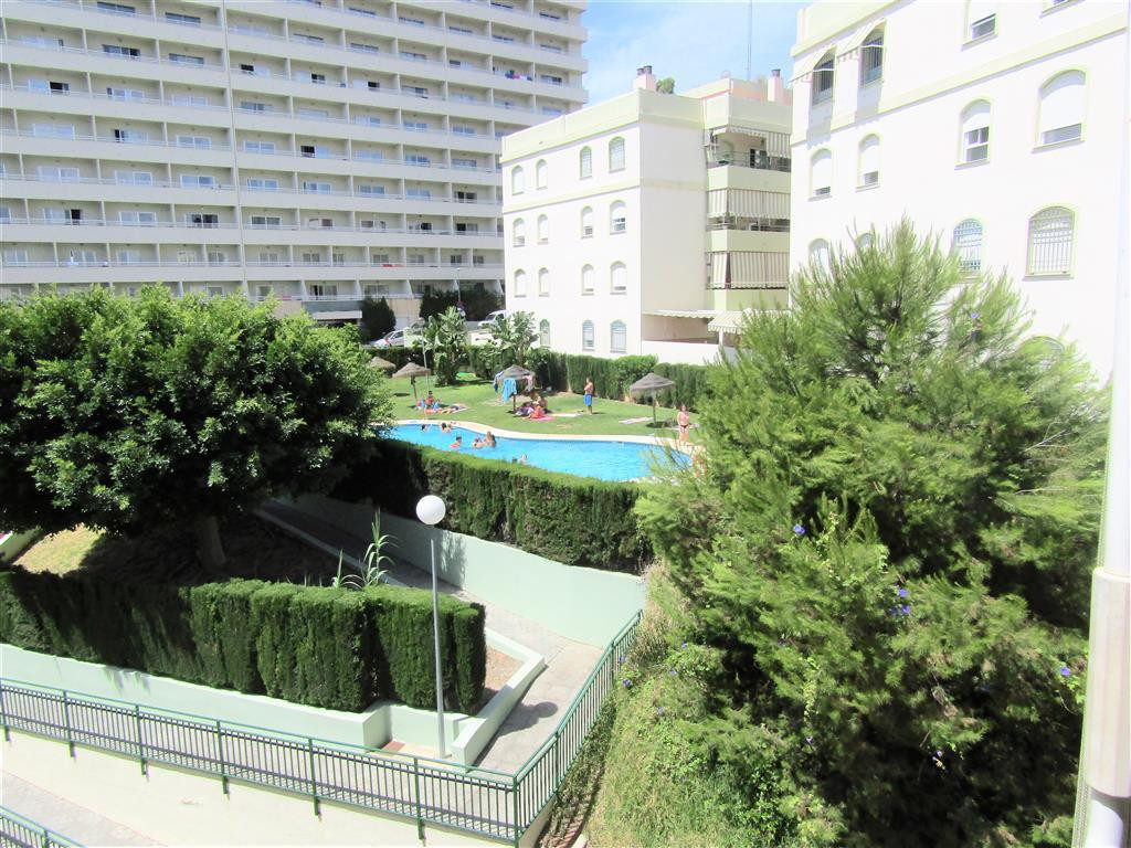 Middle Floor Apartment, Torremolinos, Costa del Sol. 2 Bedrooms, 1 Bathroom, Built 70 m², Terrace 10, Spain